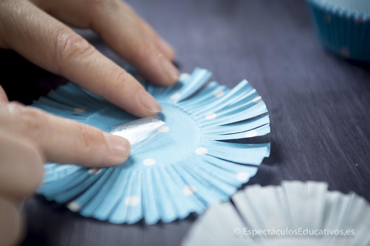 flores de papel en relieve